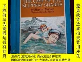 二手書博民逛書店THE罕見CASE OF THE SLIPPERY SHARKS