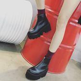 厚底鞋 秋冬新款歐美前拉鏈高跟圓頭松糕底增高女靴百搭粗跟厚底短靴