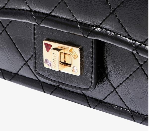 側背包 復古油蠟皮菱格紋小方包 經典黑-La Poupee樂芙比質感包飾 (預購+好禮)
