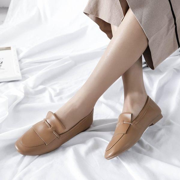 {丁果時尚}真皮大尺碼女鞋34-43►2018秋歐美頭層牛皮舒適低跟紳士鞋 平底鞋懶人鞋*3色