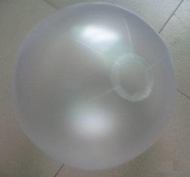 [衣林時尚] 霧透明沙灘球 海灘球 (充氣後直徑約28cm) 現貨 辦活動專用 可大量訂購 非INTEX商品