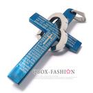 《QBOX 》FASHION 飾品【C10014551】精緻個性愛心環扣經文十字架藍色鈦鋼墬子項鍊