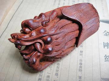 小葉紫檀手玩件螭吻雕件