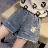 女童短褲 女童小雛菊破洞牛仔短褲正韓女大童兒童夏季洋氣外穿褲子【快速出貨】