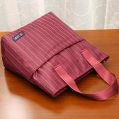 側背包 手提包女新款拎包袋子手拎時尚媽媽女士包包上班族買菜小布包 摩可美家