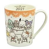 小禮堂 Sanrio大集合 日製 陶瓷馬克杯 咖啡杯 陶瓷杯 350ml YAMAKA陶瓷 (米黃 餐桌) 4979855-10532
