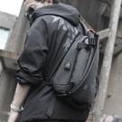 單肩包男斜背包學生休閒胸包運動男士包包多功能背包韓版 檸檬衣舍