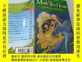 二手書博民逛書店Diving罕見With Dolphins:與海豚一起潛水Y200392