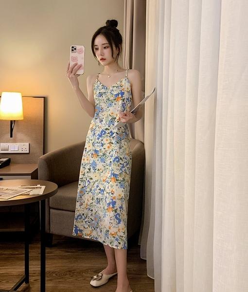 EASON SHOP(GQ0991)韓版滿版花朵碎花露鎖骨大擺傘狀A字背心連身裙無袖細肩帶吊帶洋裝女過膝長裙休閒