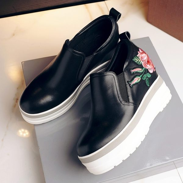內增高女鞋單鞋休閒刺繡圓頭深口單鞋真皮松糕底女鞋   -1092491001