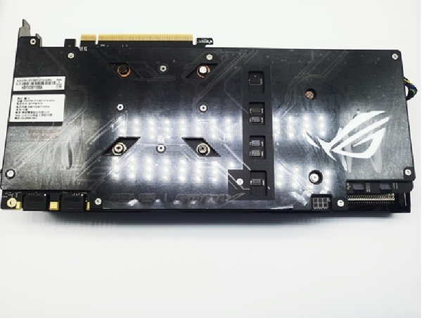 華碩ROG-STRIX-GTX1080TI-O11G-GAMING 華碩二手顯示卡,二手繪圖卡,1080TI只剩一片