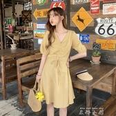 春裝2020新款小清新設計感抽繩V領收腰格子洋氣短袖洋裝女 米娜小鋪