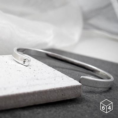 訂製手環/手鐲  刻字姓名縮寫-A 手環(小) 英文 文字 999純銀C型手環-64DESIGN