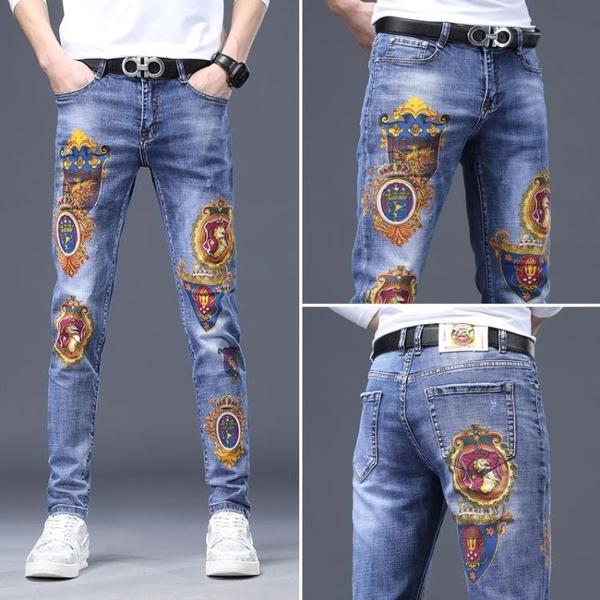 寬管褲 2021春夏新款個性印花牛仔褲男士薄款潮牌修身小腳高端刺繡長褲子