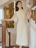 洋装 中大尺碼 2021夏新款法式民國風米色雙襟盤扣開衩顯瘦復古蝕骨旗袍連身裙