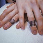 紋身貼女潮 暗黑 字母 酷 手指 皇冠 眼睛 十字架