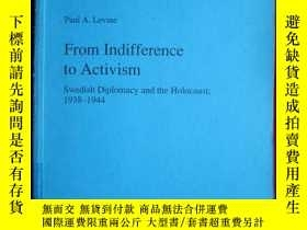 二手書博民逛書店From罕見Indifference to Activism: