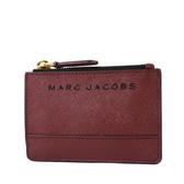美國正品 MARC JACOBS 黑色LOGO防刮皮革證件/鑰匙零錢包-酒紅色【現貨】