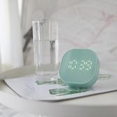 簡約北歐2020新款鬧鐘學生用電池電子床頭迷你多功能夜光靜音臺鐘 初色家居館