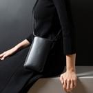 Alto 皮革輕便手機隨身包 – 渡鴉黑 (可加購客製雷雕) 保護套 護照夾 手拿包 手機小包