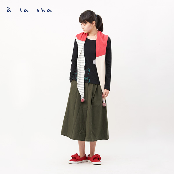 a la sha  阿財繡花配色針織三角圍巾