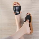 歡慶中華隊2019夏季真皮涼拖鞋女平底時尚中年媽媽鞋大碼孕婦一字外穿涼拖女