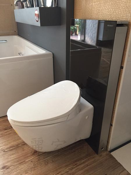 【麗室衛浴】美國KOHLER VIA 懸吊馬桶 K-19720T+GEBERIT 明裝懸吊水箱131.021.SI.1+KOHLER 新一代電腦馬桶蓋