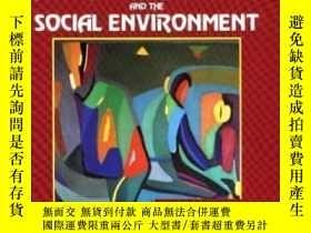二手書博民逛書店Understanding罕見Human Behavior And The Social Environment