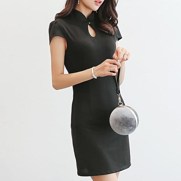 性感洋裝 2021春夏新款女裝韓版百搭性感氣質修身短袖純色顯瘦洋裝