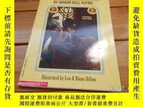 二手書博民逛書店THE罕見HUNDRED PENNY BOX 百便士盒子Y204