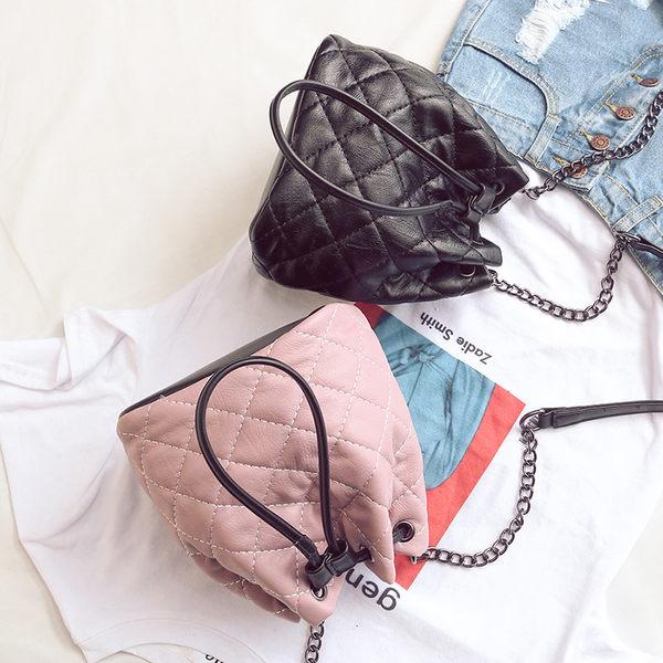 *UOU精品*韓國時尚款 素面菱格紋水桶包束口側背包方包斜背包‧3色【T369】