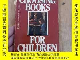 二手書博民逛書店BETSY罕見HEARNE CHOOSING BOOKS FOR CHILDRENY3142