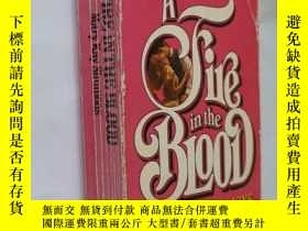 二手書博民逛書店AFIRE罕見IN THE BLOOD Mary Kay Sim