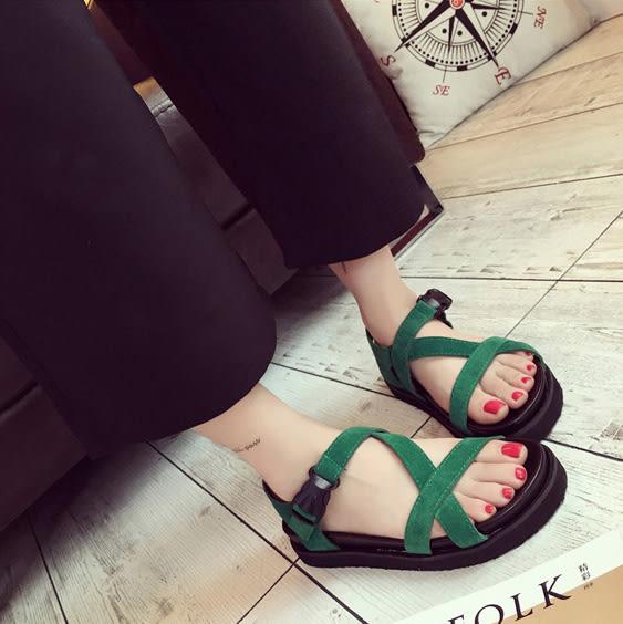 繞帶釦式涼鞋 羅馬假期休閒魚嘴交叉平底涼鞋 艾爾莎【TSB8624】