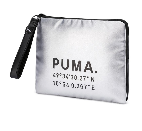 PUMA PRIME TIME CLUTCH X-MAS 銀 黑LOGO 手拿方包 (布魯克林) 07659802