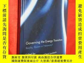 二手書博民逛書店Governing罕見the Energy Transition