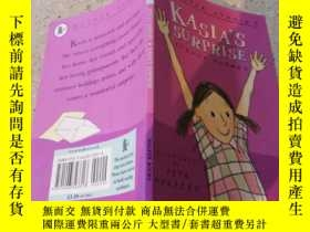 二手書博民逛書店Walker罕見Stories--Kasia s Surprise(手繪插圖兒童讀本)沃克故事-卡西亞的驚喜Y