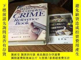二手書博民逛書店英文原版罕見the writer s complete crime reference bookY181828
