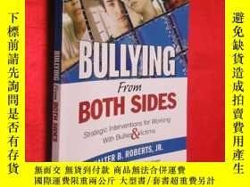 二手書博民逛書店Bullying罕見From Both Sides: Strat