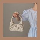 手提包 腋下包女云朵褶皺包法棍包單肩斜挎小眾質感韓版2020新款手提包潮