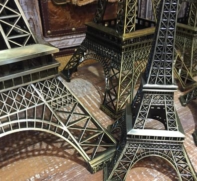 [協貿國際]   38cm高巴黎鐵塔小擺件咖啡廳甜品店裝飾品  (1入)