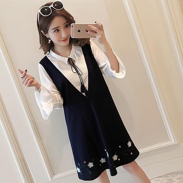 氣質洋裝--假兩件優雅繫帶蕾絲荷葉袖修身刺繡七分短袖洋裝(藍M-3L)-D505眼圈熊中大尺碼◎