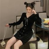 長袖洋裝 秋冬新款時尚復古長袖收腰絲絨小黑裙顯瘦V領打底裙