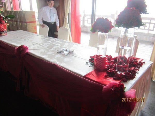 情意花坊網路花店~新北市永和花店婚禮佈置~相片鮮花佈置走道紅地毯佈置(圓山飯店)