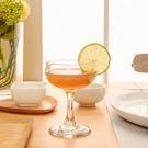 ‧ 流線設計,一體成形 ‧ 玻璃材質,晶瑩清透 ‧ 杯口強化,安心使用