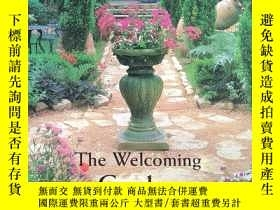 二手書博民逛書店The罕見Welcoming Garden : Designin