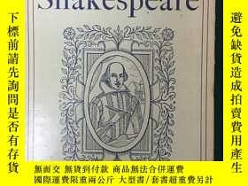 二手書博民逛書店Essays罕見on Shakespeare and Other