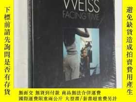 二手書博民逛書店Maurice罕見Weiss: Facing Time 藝術畫冊 精裝未拆封 庫存書Y23200 Jurgen