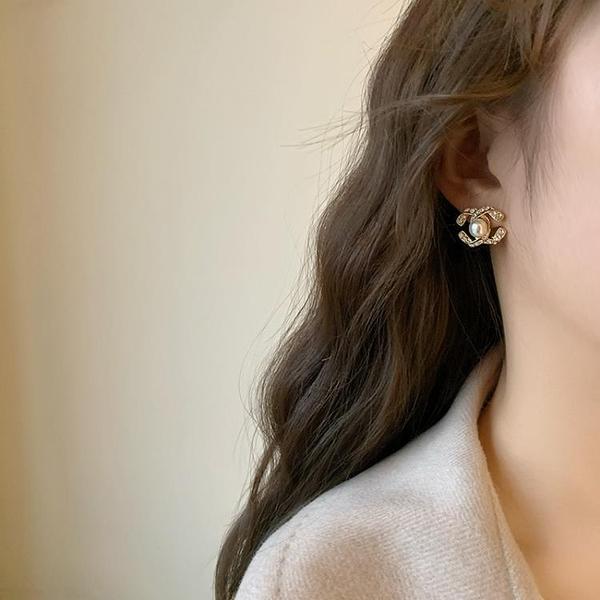 耳環 夏奈爾耳夾無耳洞耳飾女高級感小香風耳釘2020年新款網紅雙C耳環【快速出貨】