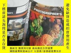 二手書博民逛書店PHOTOGRAPHER'S罕見EYEY212829